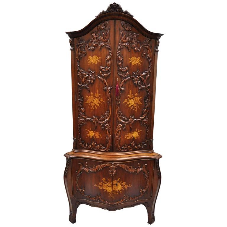 French Louis XV Style Small Walnut Serpentine Front Inlaid Corner Curio Cabinet