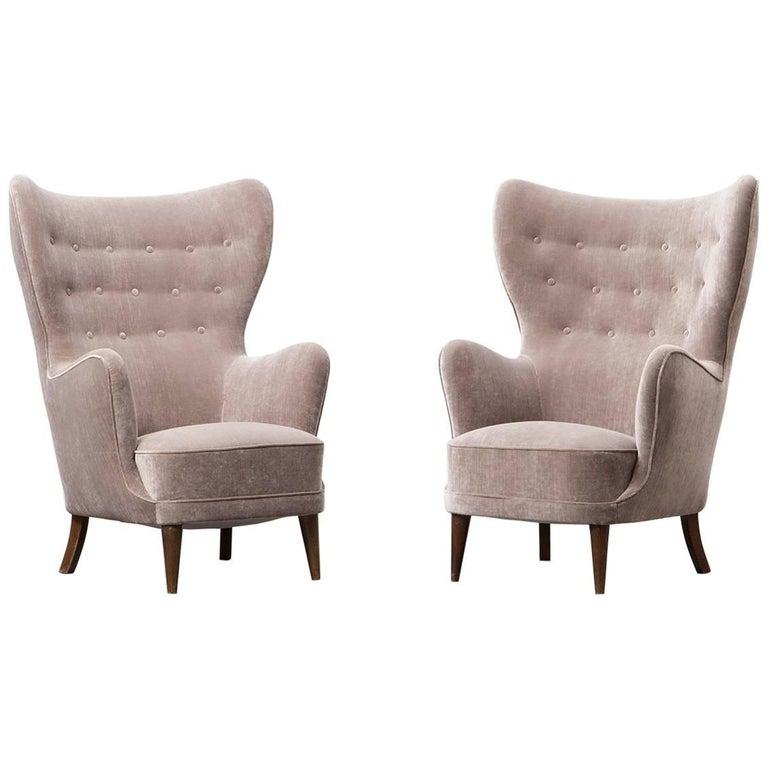1940s Beige Fabric on Beech Legs Lounge Chairs
