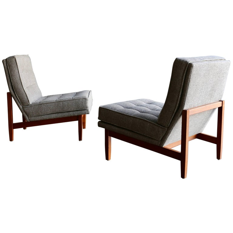 Slipper Lounge Chairs by Florence Knoll