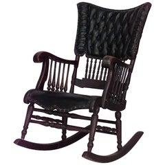 Viktorianischer Schaukelstuhl aus Eichenholz im Spindel-Design mit schwarzem gestepptem Lederbezug