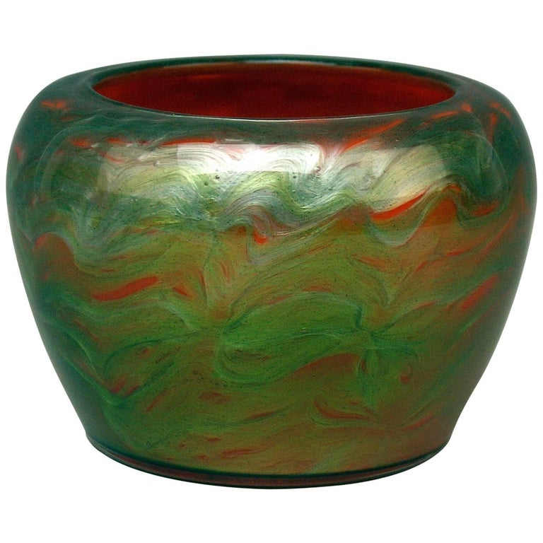 Vase Loetz Bohemia Art Nouveau Decor Titania Genre 4212 Orange Green Glass, 1906 For Sale