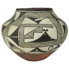 Antique Early 20th Century Native American Acoma Pot