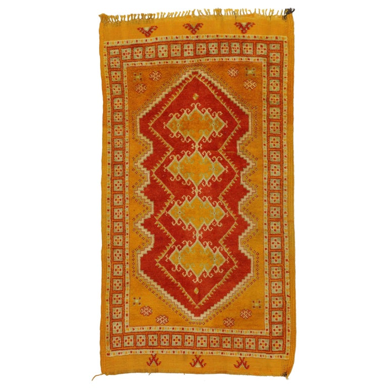 Vintage Berber Moroccan Rug In Traditional Style For Sale