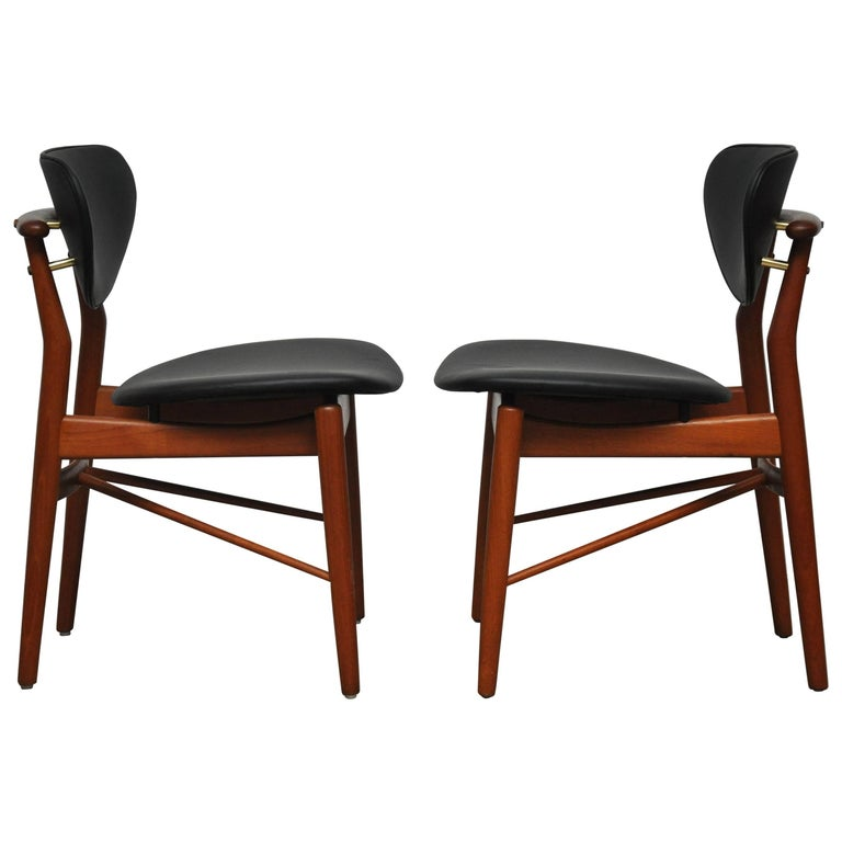 Pair of Finn Juhl NV-55 Dining Chairs For Sale