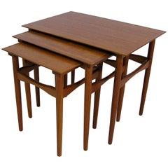 1960s Danish Modern Teak Nesting Tables by Poul Hundevad, Set of Three