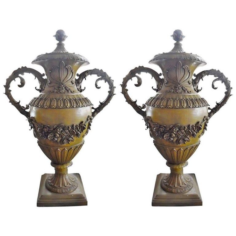 Pair Of Large Size Bronze Decorative Urns For Sale At 40stdibs Best Decorative Urns For Sale
