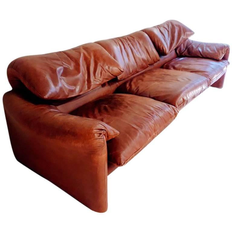 Maralunga Leather Sofa Design Vico Magistretti Production Cassina, Italy