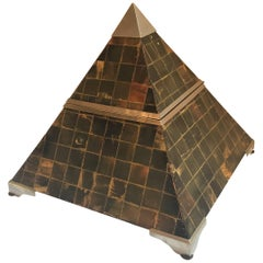 Pyramid Form Hinged Table Box with Horn Surface