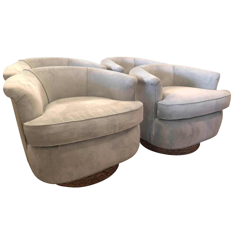 Merveilleux Set Of Four Tub Barrel Swivel Armchairs, Upholstered Velvet, Seagrass  Platform For Sale