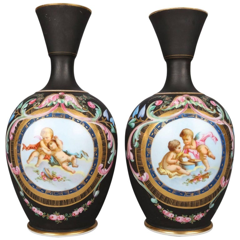 Two Antique French Classical Hand-Painted and Gilt Old Paris Porcelain Vases For Sale