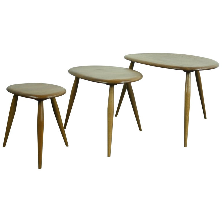 """Vintage 1960s Ercol Nest of Blonde """"Pebble"""" Coffee Tables"""