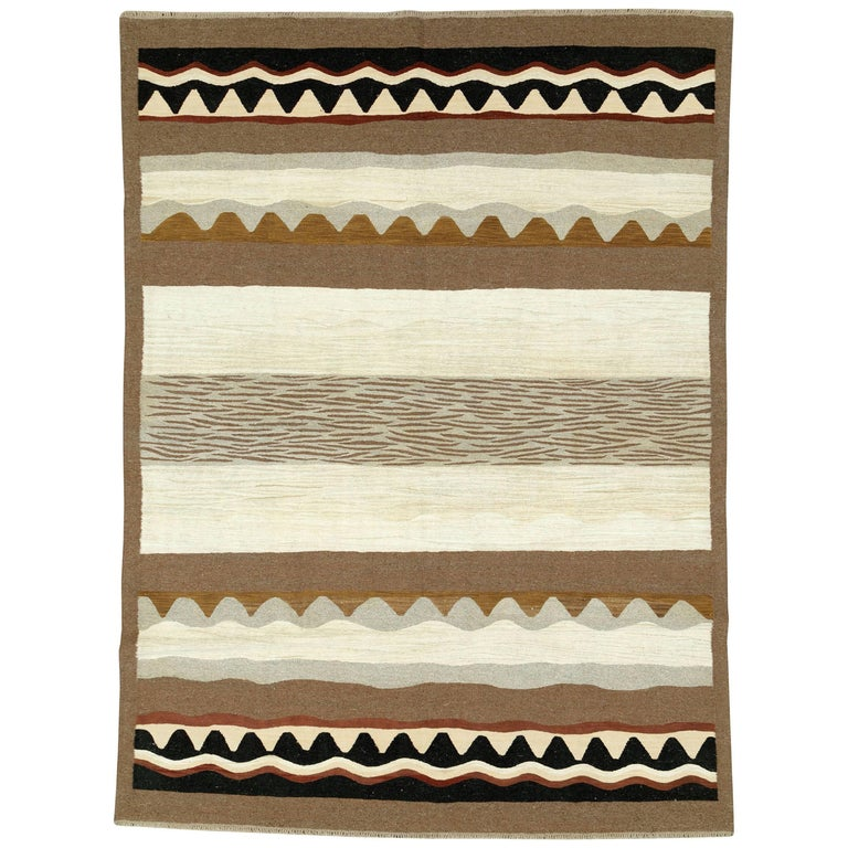 Modern Turkish Flat-Weave Rug For Sale