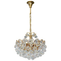 Luxus Palwa Midcentury Chandelier Gilt Brass Faceted Crystal Glass Globes, 1960