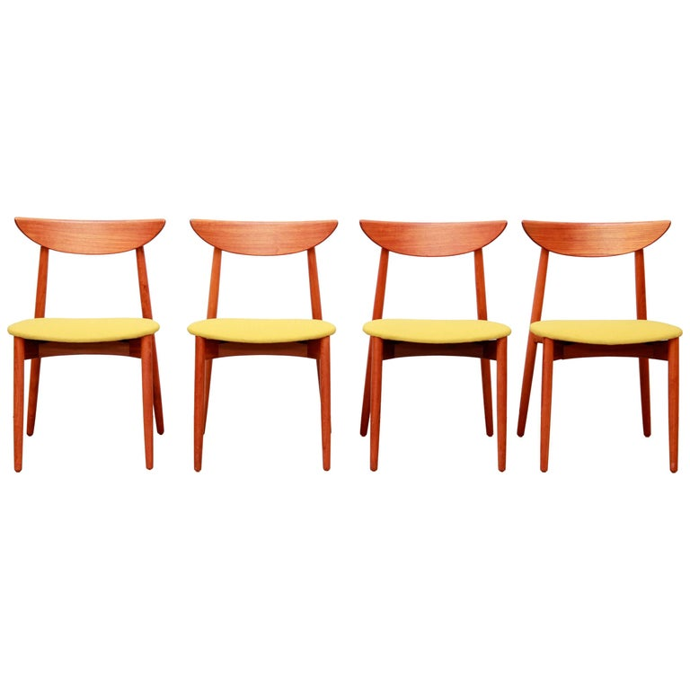 Set of Four Harry Ostergaard Danish Design Dining Room Chairs in Teak Model 58