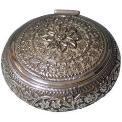 Fine Old Vintage Indian Kutch Silver Snuff Box