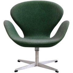 1960s Arne Jacobsen Swan Chair in Original Vintage Two-Tone Green Wool