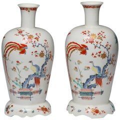 Pair of Bottle Vases, Kakiemon Decoration, Bow Porcelain Factory, circa 1752
