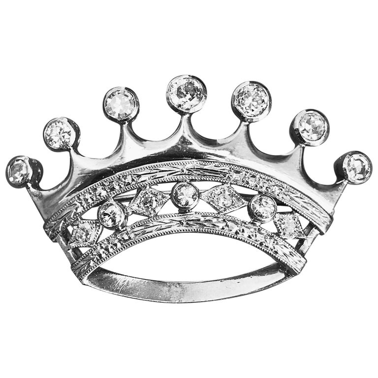 18-Karat Brooch in White Gold and Diamonds, Crown-Shaped Pins