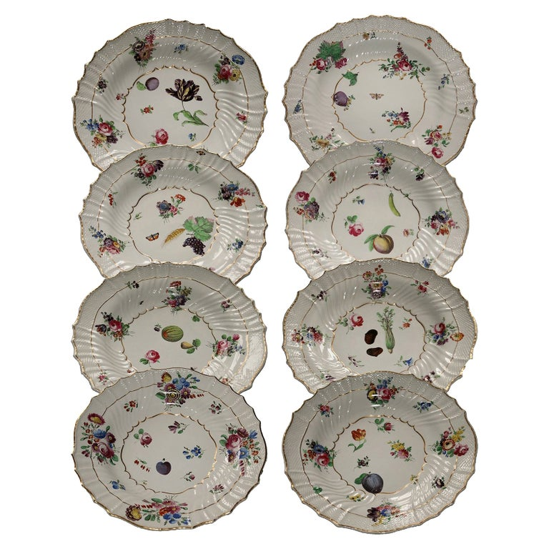 Italy Richard Ginori Mid-18th Century Porcelain Set 8 Dishes Floral Design For Sale