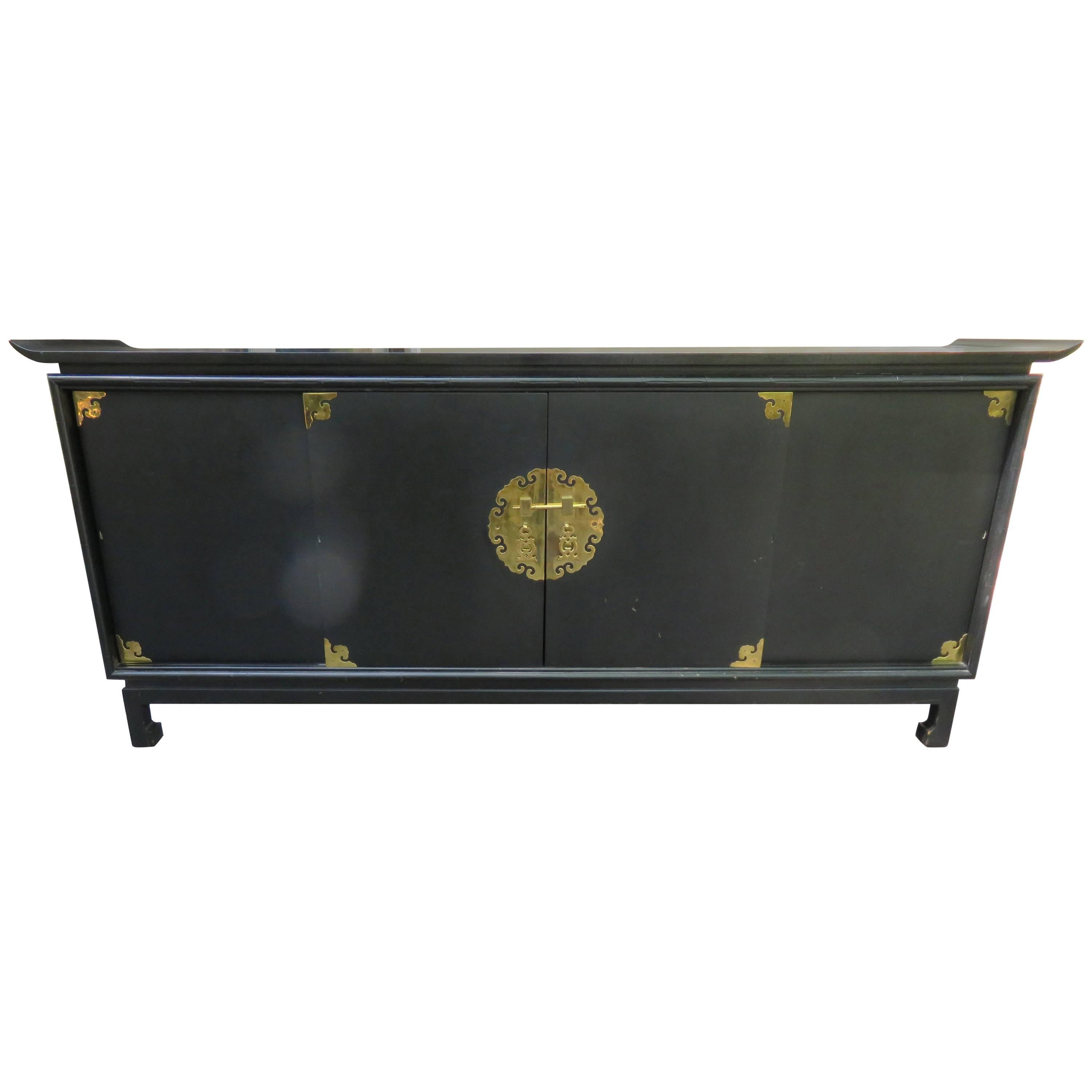 Fantastic Black Lacquered Chinoiserie Stereo Cabinet Credenza Mid Century  Modern For Sale
