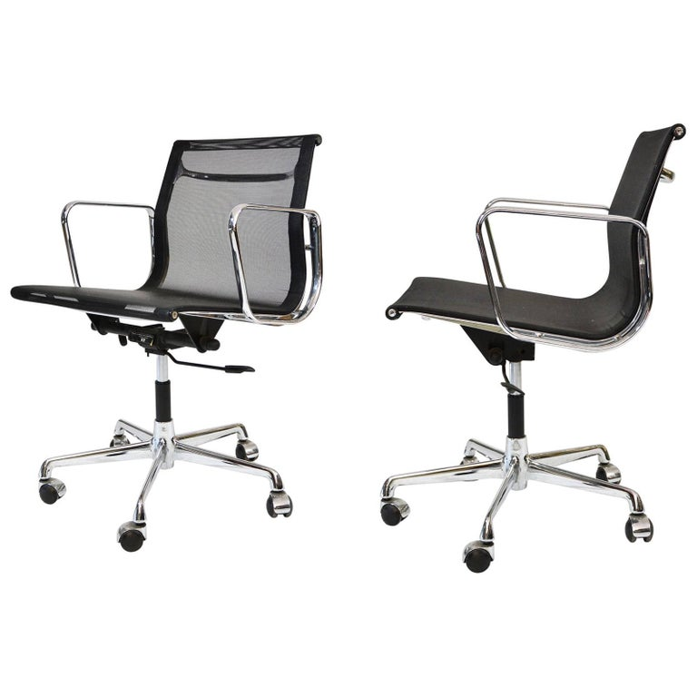 Charles Eames Aluminium Group Black Mesh Chairs