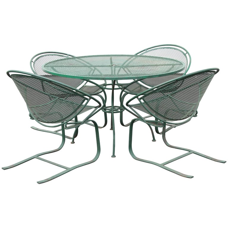 Mid-Century Modern Salterini Patio Set Table with Four Radar Chairs For Sale