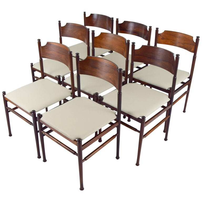 Set of Eight Italian Rosewood and Leather Chairs in the Style of Osvaldo Borsani For Sale