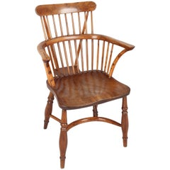 Fine Early 19th Century Yew wood Comb-Back Windsor Armchair of Good Color