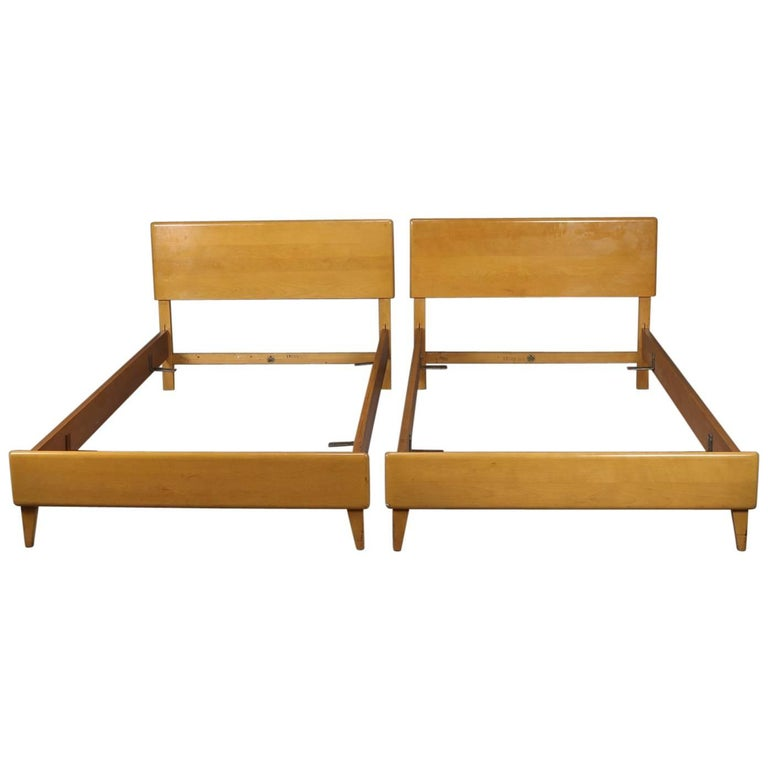 Mid-Century Modern Pair of Twin Bed Frames, Wheat Finish, Mid-20th Century