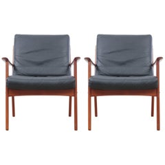 Danish Mid-Century Modern Pair of Armchairs by Ole Wanscher for Paul Jepesen
