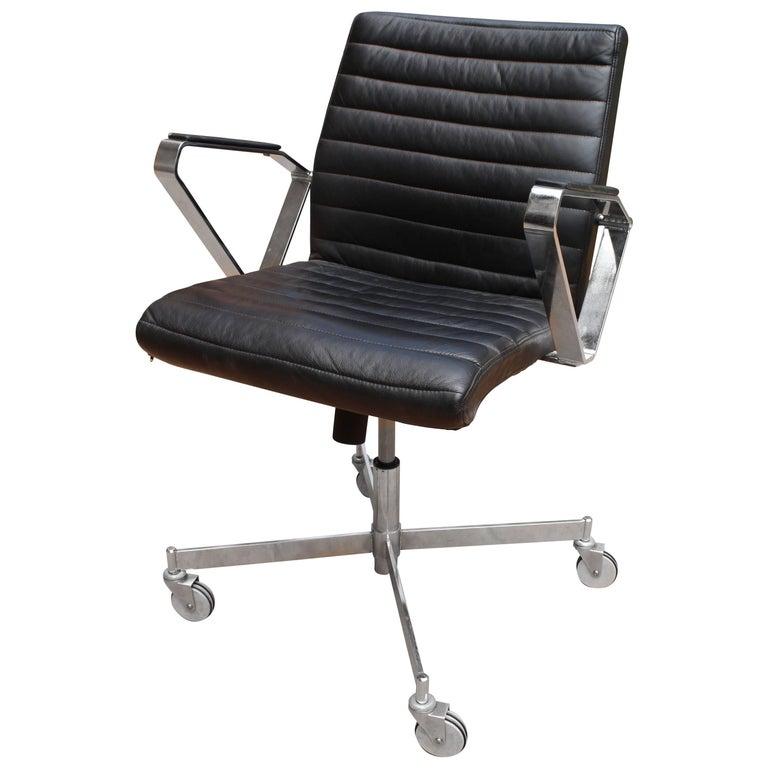 Scandinavian Boria House Design Vitesse Office Swivel Leather Chair