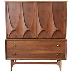 Broyhill Brasilia Mid-Century Modern Sculpted Walnut Gentleman's Chest, 1960s