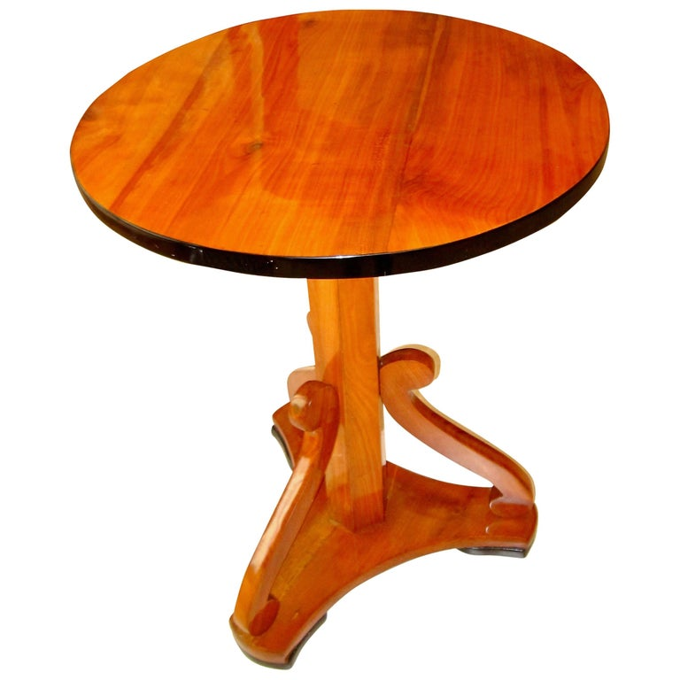 Biedermeier Pedestal Table, Cherrywood, Austria circa 1825