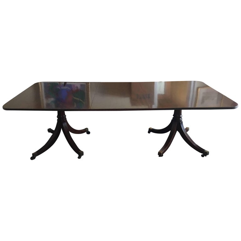 English Georgian Style Mahogany Banquet Dining Table with Leaves, 20th Century