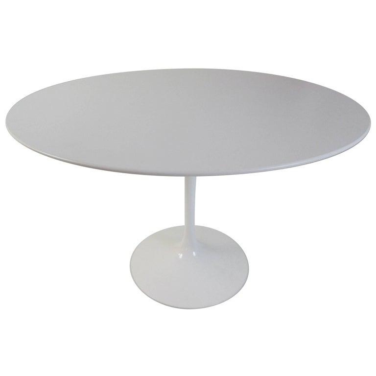 Eero Saarinen Knoll, Table in Laminate