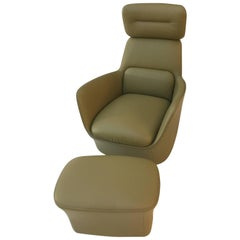 DS-110 /11 Swiveling Leather Lounge Chair and Ottoman by De Sede