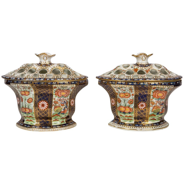 """Pair of Worcester Porcelain Bough Pots in the """"Rich Queen's"""" Pattern"""
