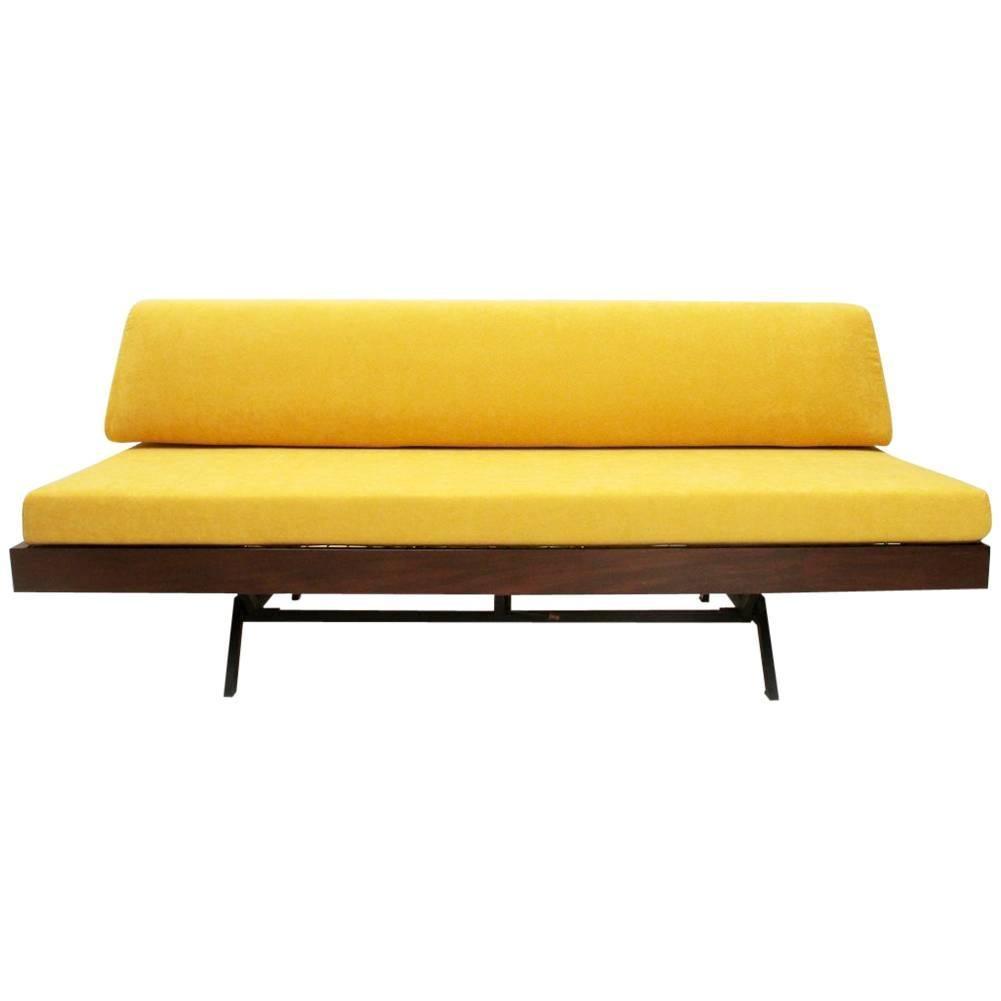 Attrayant Italian Yellow Velvet Sofa Bed, 1960s For Sale