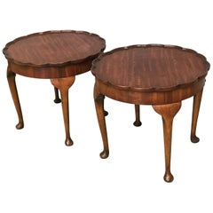 19th Century Pair of Side Salon Tables with Piecrust Fleur Top in Walnut
