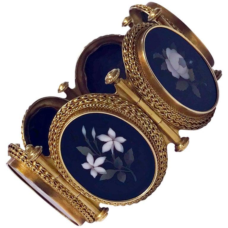 Very Fine 19th Century 18-Karat Gold Pietra Dura Bracelet, Italy, circa 1875