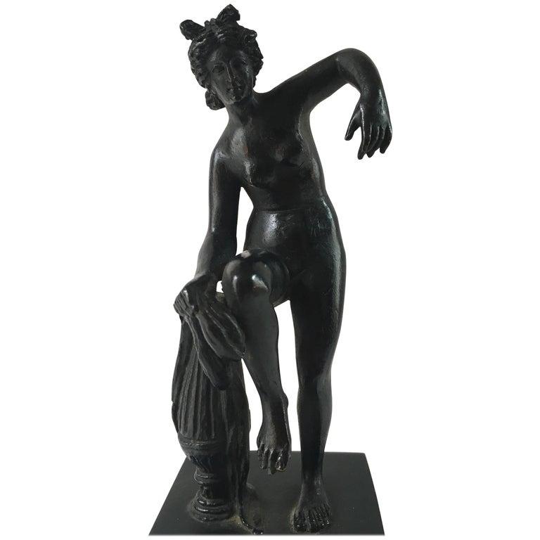 Grand Tour Neoclassical Bronze Figure of Venus at the Bath, circa 1800