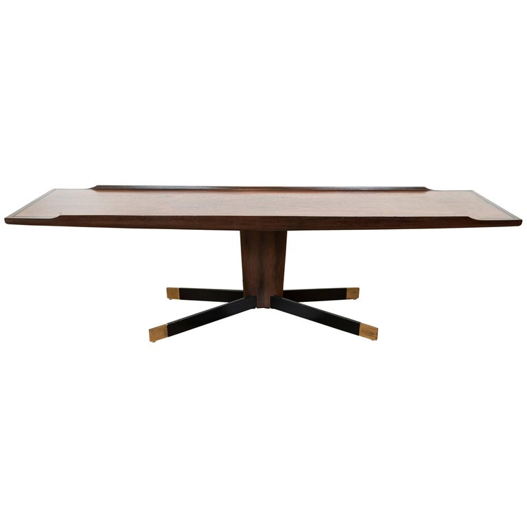 American Mid-Century Modern Pedestal Coffee / Cocktail Table in Wood For Sale