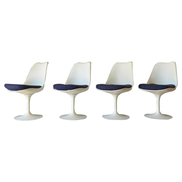 Set of Four Eero Saarinen for Knoll Tulip Dining Chairs, circa 1965