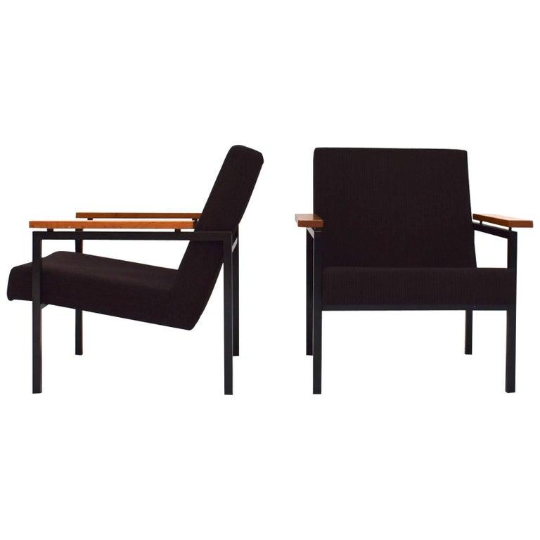 Pair of Gijs van der Sluis Model 30 Lounge Chairs