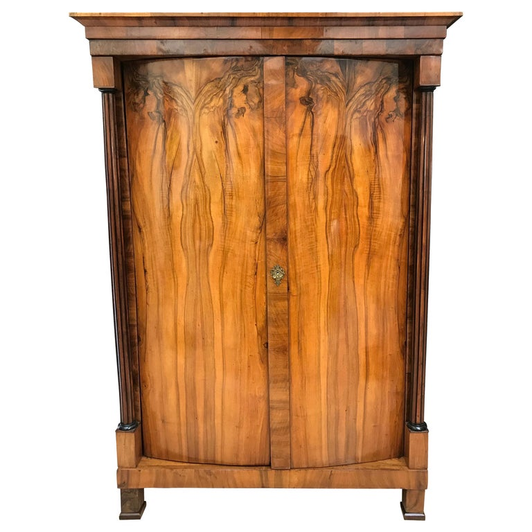 Biedermeier Armoire, Walnut Veneer and Full Column, Austria/Vienna circa 1820 For Sale