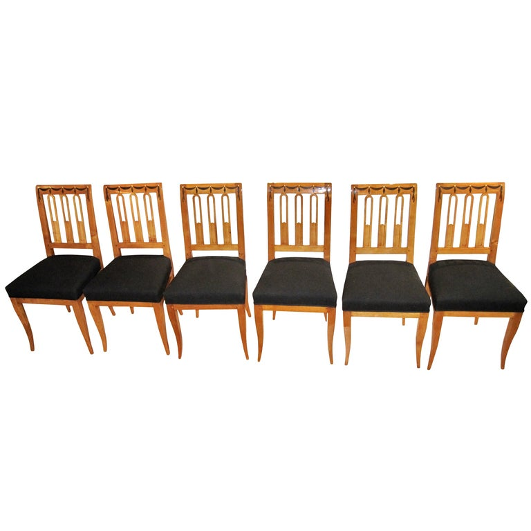 Set of Six Biedermeier Dining Chairs, Garland Inlays, South Germany, circa 1820 For Sale 1
