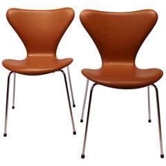 Pair of Seven Chairs, Model 3107 in Cognac Savanne Leather by Arne Jacobsen