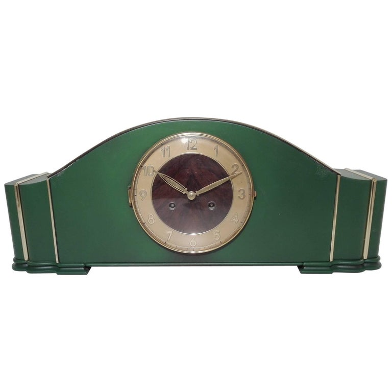 Leaf Green Art Deco Desk Clock