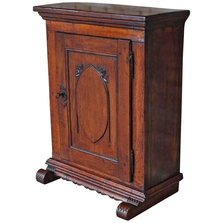 19th Century Small Antique German Oak Cabinet For Sale - 19th Century Small Antique German Oak Cabinet For Sale At 1stdibs