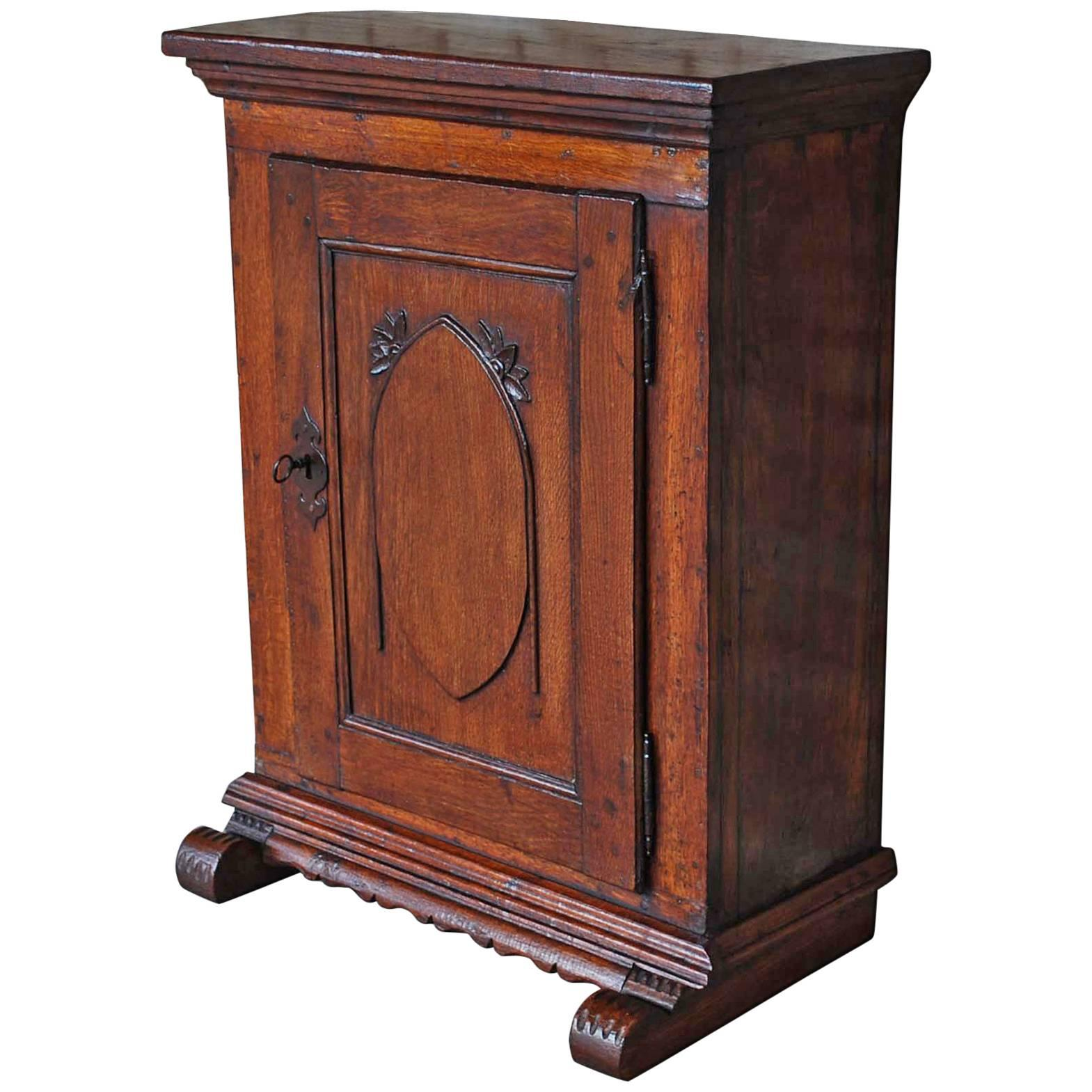 Superb 19th Century Small Antique German Oak Cabinet For Sale